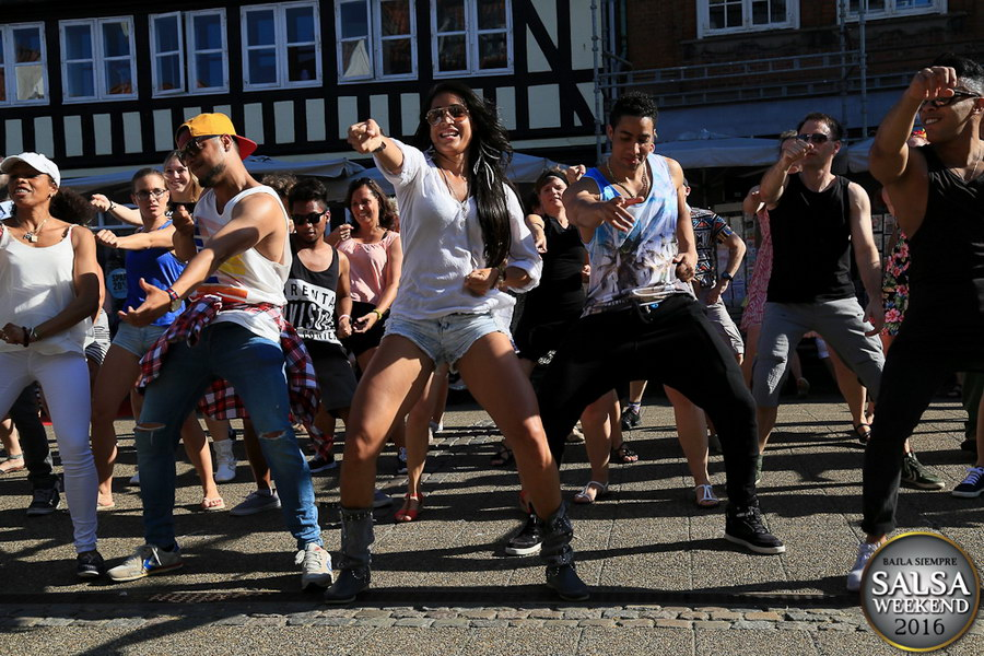Salsa in the streets 2016